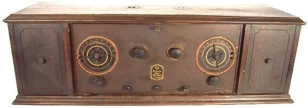 707: 1924 RADIOLA SUPERHETERODYNE  TABLETOP RADIO