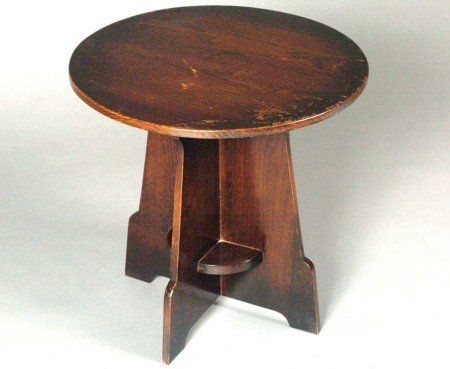 A MISSION OAK LAMP TABLE