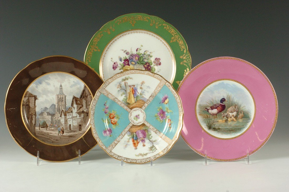 FOUR CONTINENTAL PORCELAIN PLATES