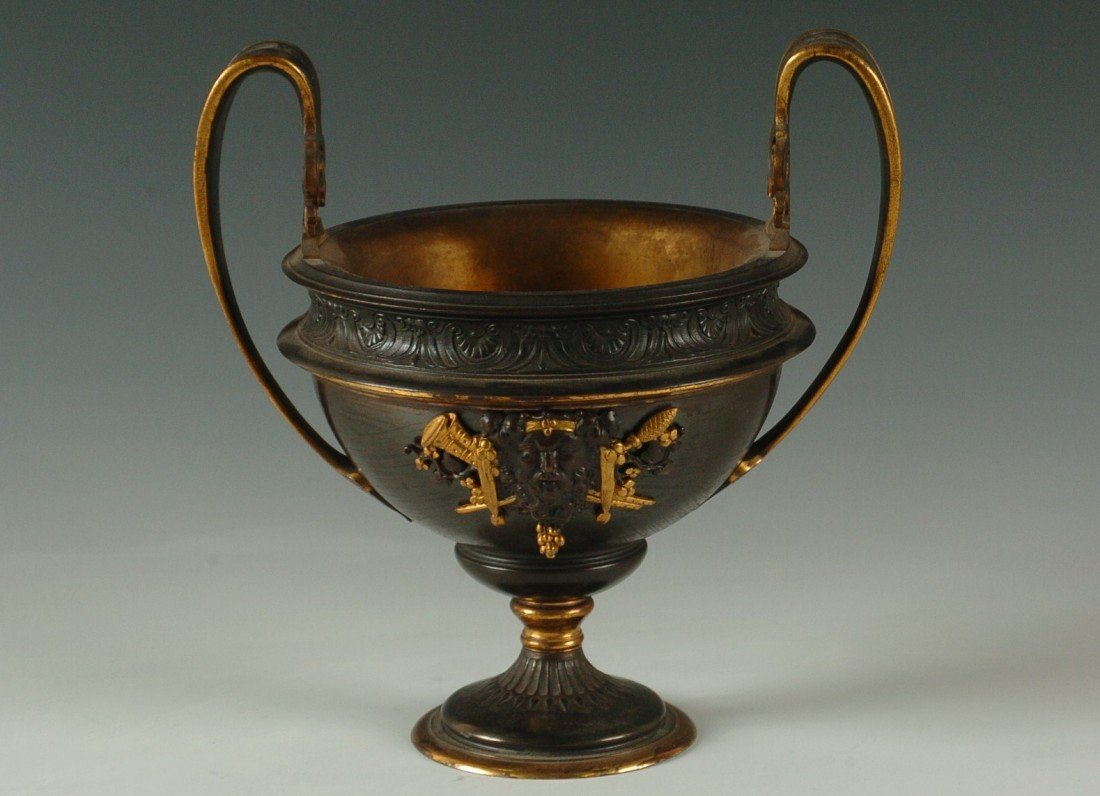 FINE VICTORIAN BRONZE CLASSICAL URN W/ DORE' HIGHLIGHTS