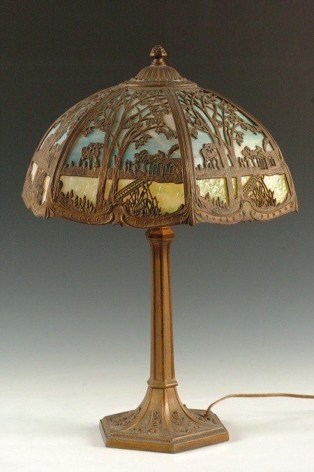 C. 1920 TABLE LAMP WITH SCENIC OVERLAY SLAG PANEL FRAME