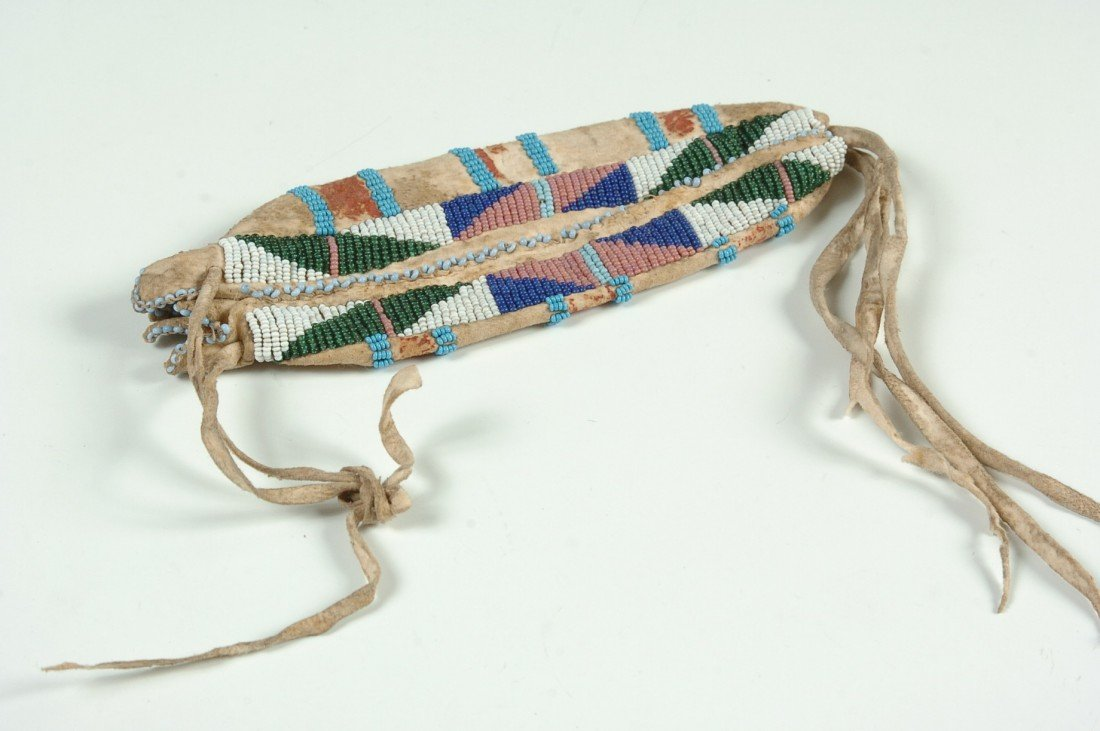 A SIOUX BEADED BAG CIRCA 1900