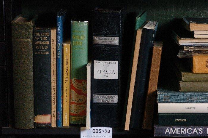 LOT OF 32 BOOKS ON ALASKA, NATIONAL PARKS, ARIZONA