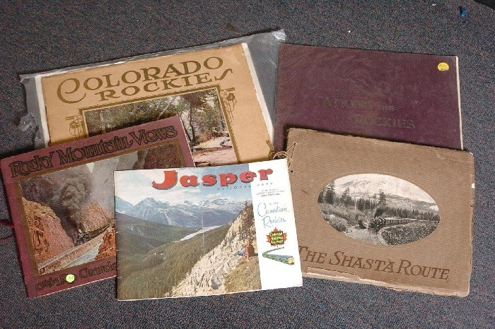 LOT OF 9 EARLY 20TH C. RAILROAD VIEW BROCHURES