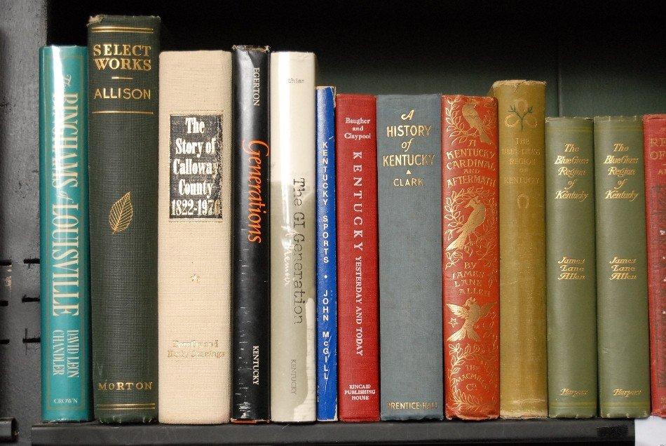 LOT OF 34 BOOKS ON KENTUCKY