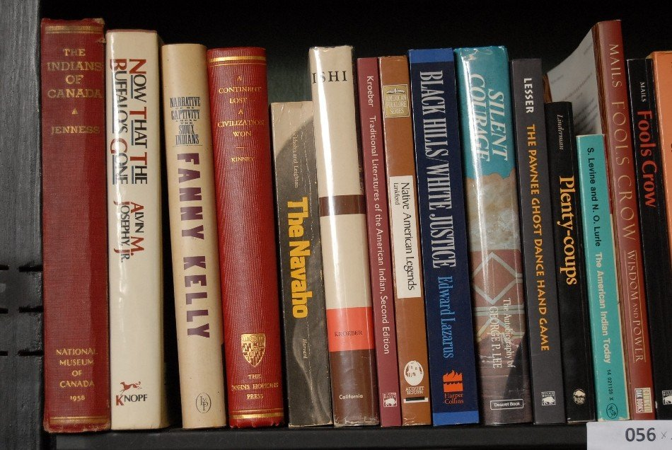 LOT OF 33 BOOKS ON AMERICAN INDIANS