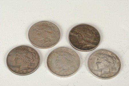 16: LOT OF FIVE PEACE SILVER DOLLARS