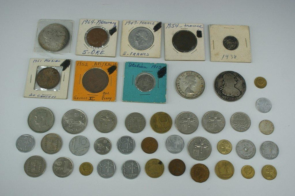 31: LOT OF VINTAGE FOREIGN COINS