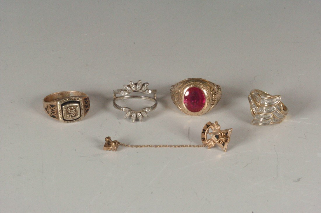 31A: 33 GRAMS OF 10K GOLD ESTATE JEWELRY