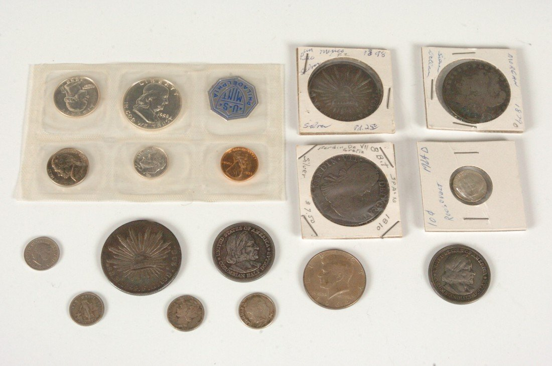 37: LOT OF US AND FOREIGN SILVER COINS