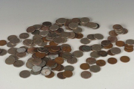 38: LOT OF U.S. V NICKELS AND LINCOLN CENTS