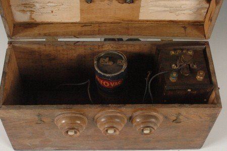 162: RARE UNIVERSAL SUPPLY OAK BATTERY C. 1900 - 6