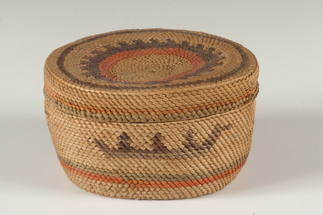 A MAKAH NORTHWEST COAST COVERED BASKET