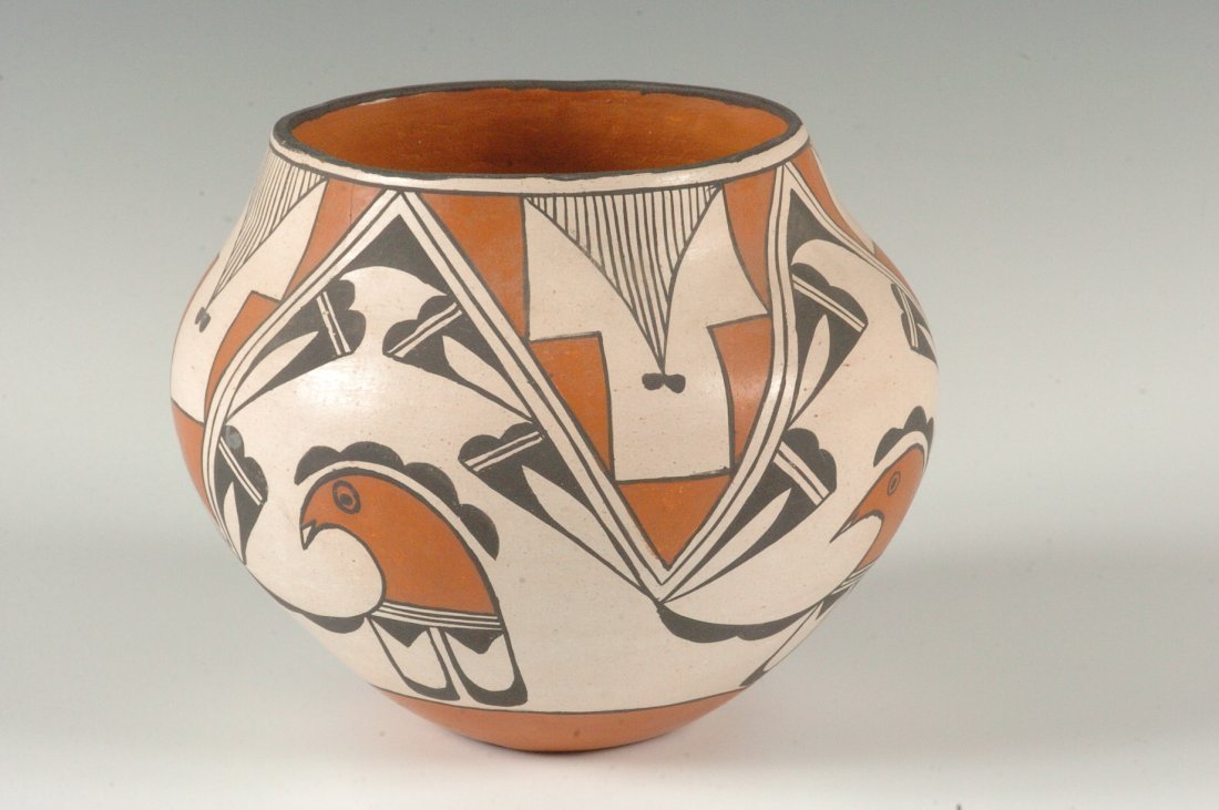 AN ACOMA OLLA WITH AVIAN DESIGNS