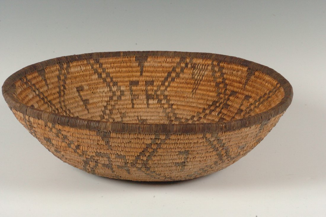 AN APACHE BASKETRY TRAY CIRCA 1900