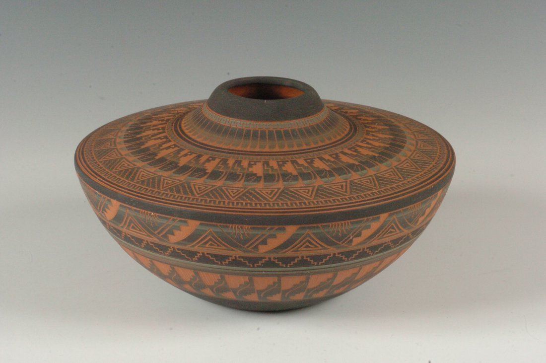CONTEMPORARY NAVAJO POTTERY SIGNED DENNIS CHARLIE