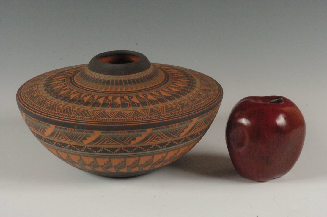 CONTEMPORARY NAVAJO POTTERY SIGNED DENNIS CHARLIE - 4