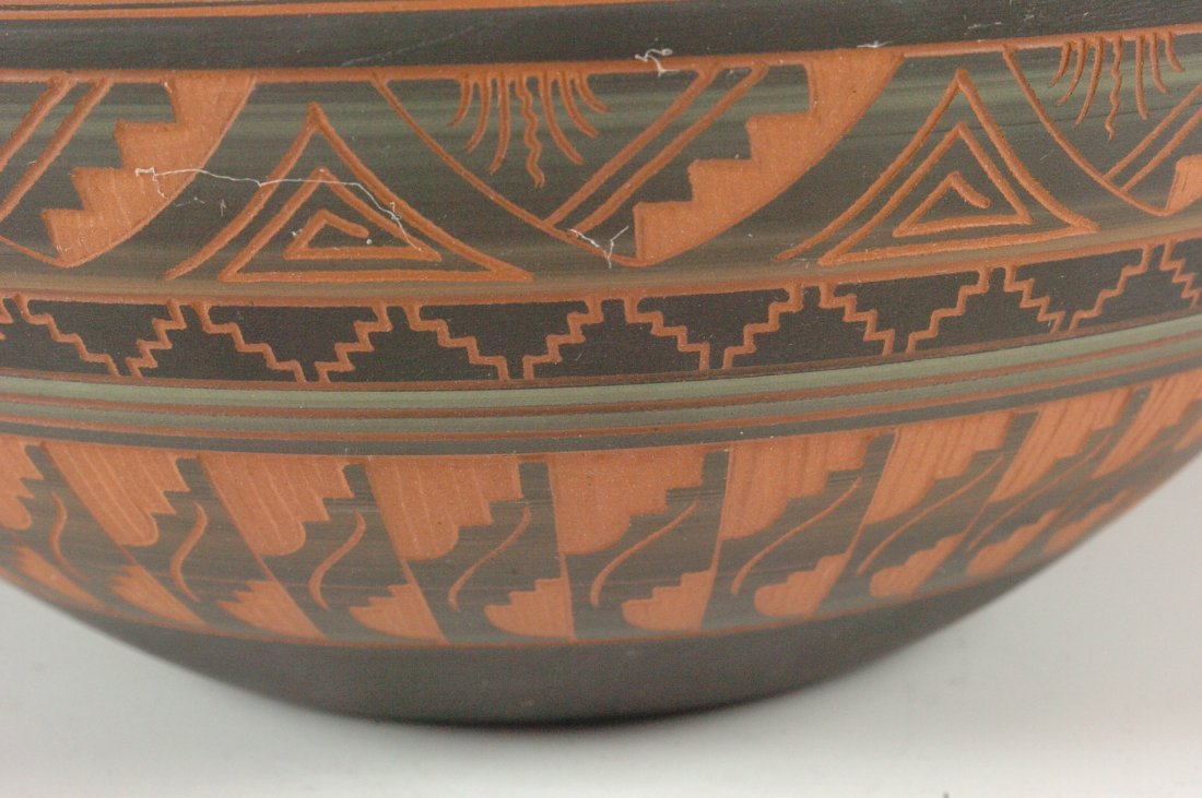 CONTEMPORARY NAVAJO POTTERY SIGNED DENNIS CHARLIE - 8