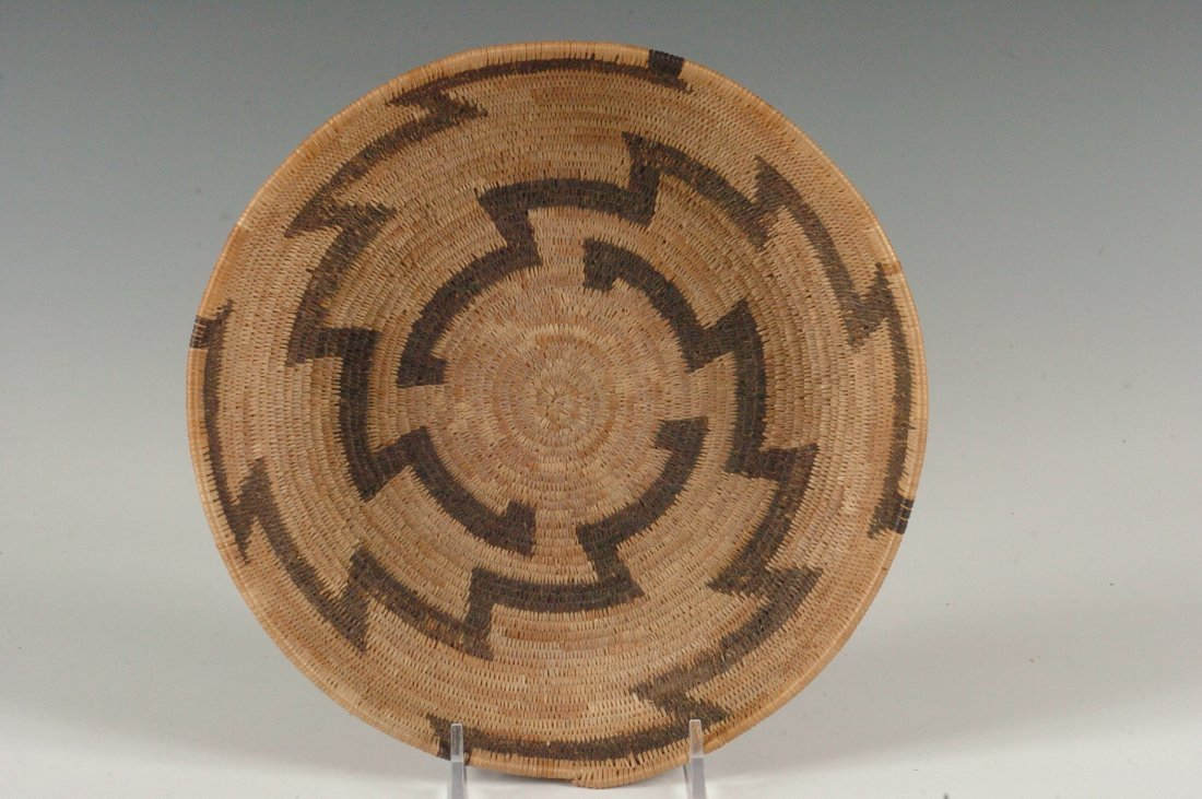 A POMO BASKETRY TRAY CIRCA 1920