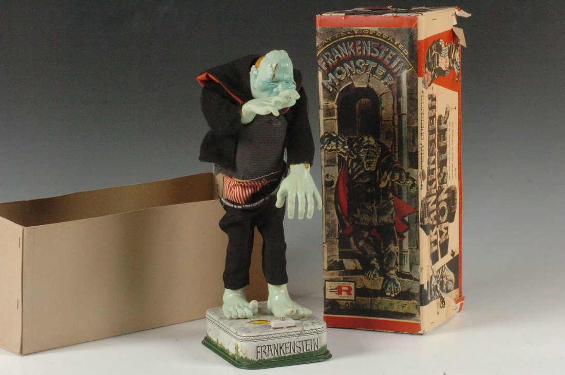 FRANKENSTEIN BATTER OPERATED TOY IN BOX