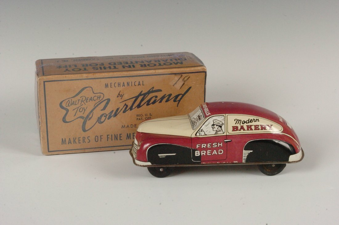 COURTLAND MIB TIN W/UP BAKERY DELIVERY CAR C. 1940