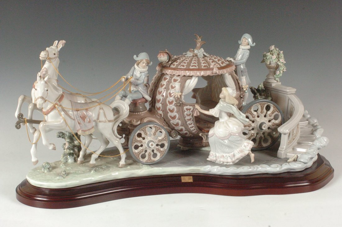 MONUMENTAL LLADRO GROUPING 'CINDERELLA AT STROKE TWELVE