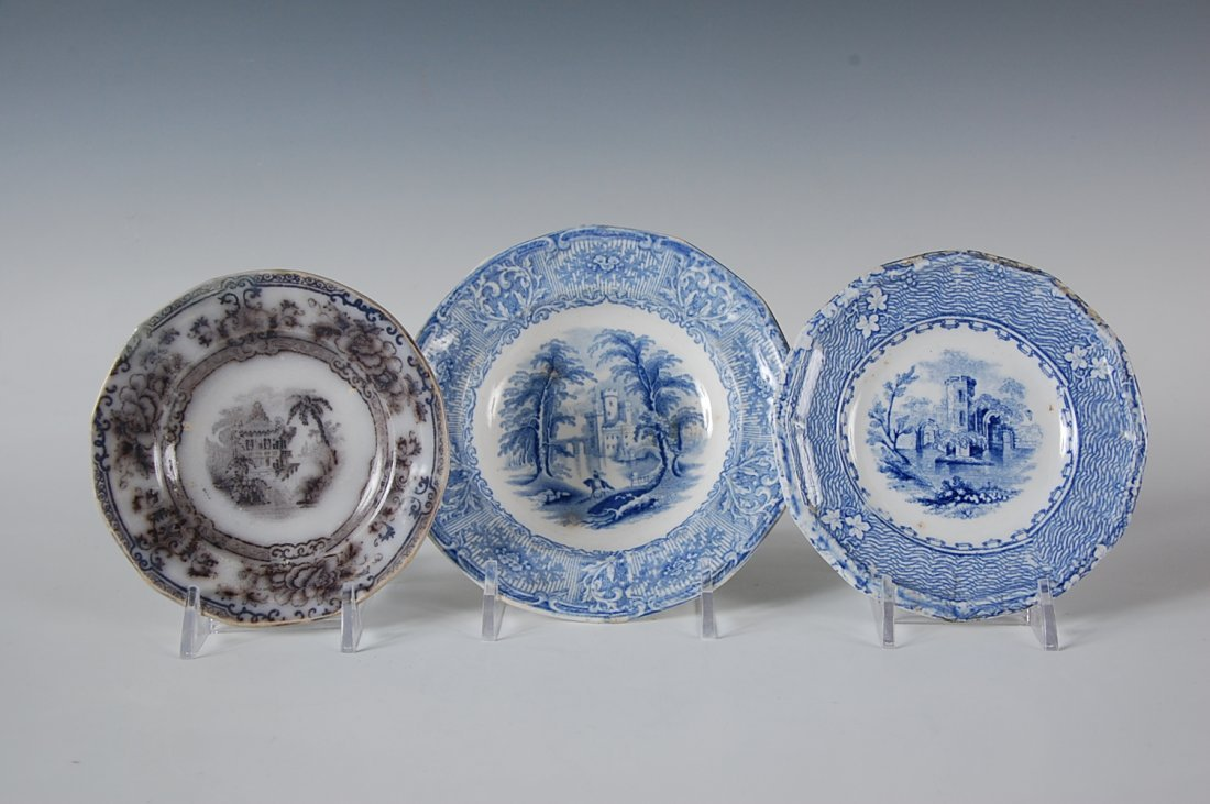 19TH CENTURY MULBERRY AND BLUE TRANSFER CUP PLATES