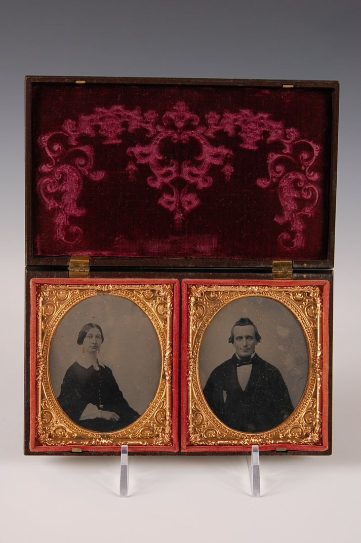 GUTTA PERCHA DOUBLE IMAGE CASE WITH AMBROTYPES