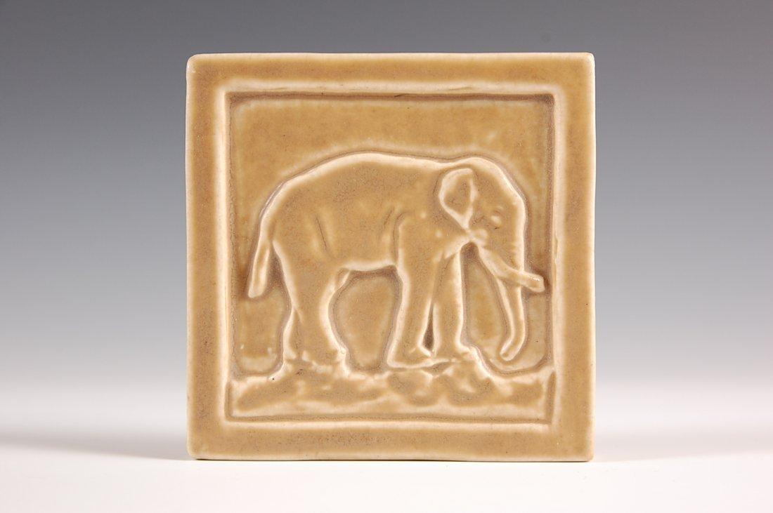 1909 ROOKWOOD ART POTTERY TILE WITH ELEPHANT