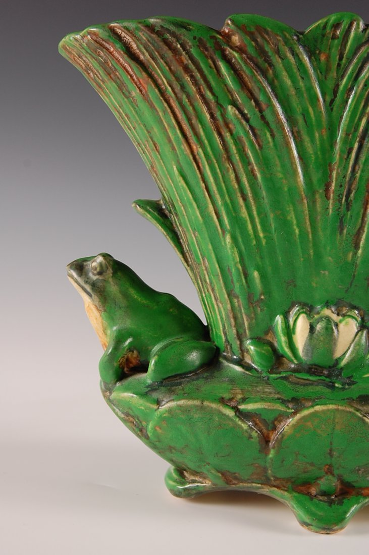 WELLER COPPERTONE VASE WITH FROGS - 3