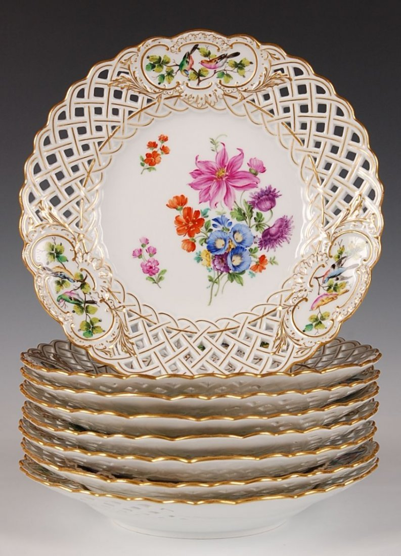 EIGHT MEISSEN FRUIT PLATES WITH HAND PAINTED BIRDS