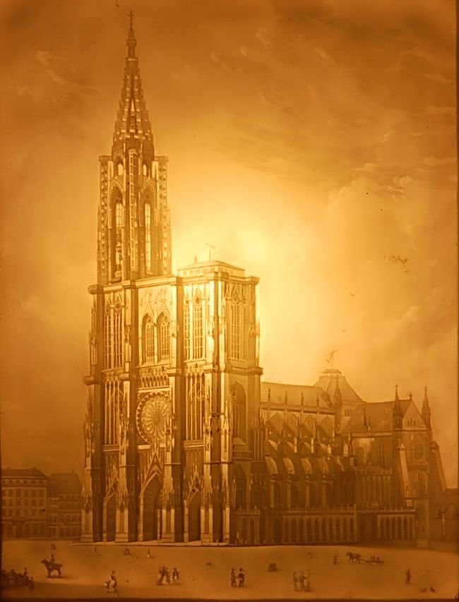 19TH C. PORCELAIN LITHOPHANE IMAGE OF A CATHEDRAL
