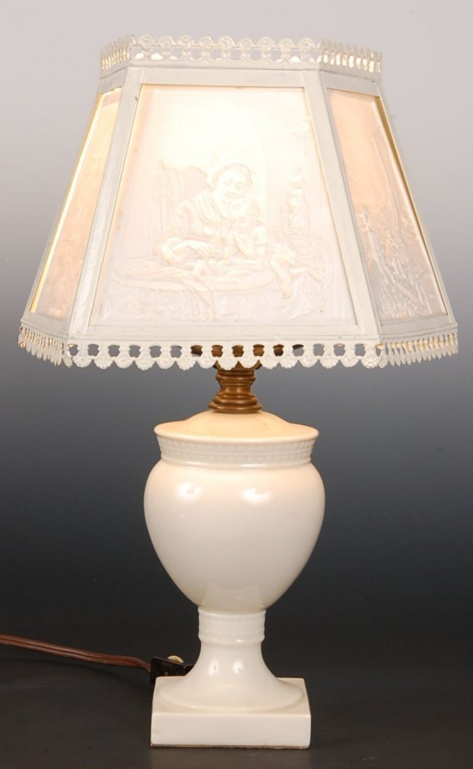 TABLE LAMP WITH FIVE PANEL LITHOPHANE SHADE