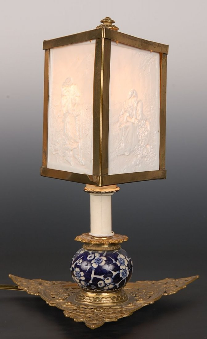 TABLE LAMP WITH THREE PANEL LITHOPHANE SHADE