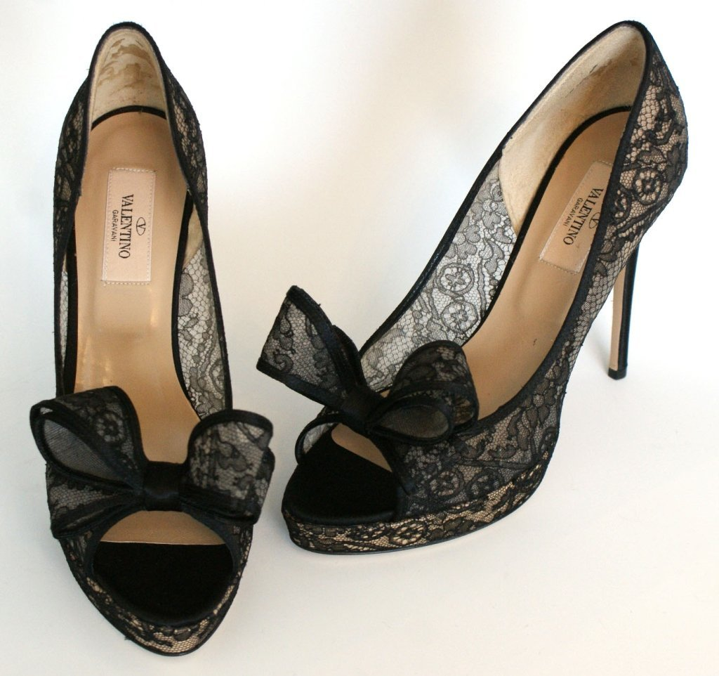 VALENTINO PEEP-TOE BOW LACE PUMPS - BLK - SZ 8