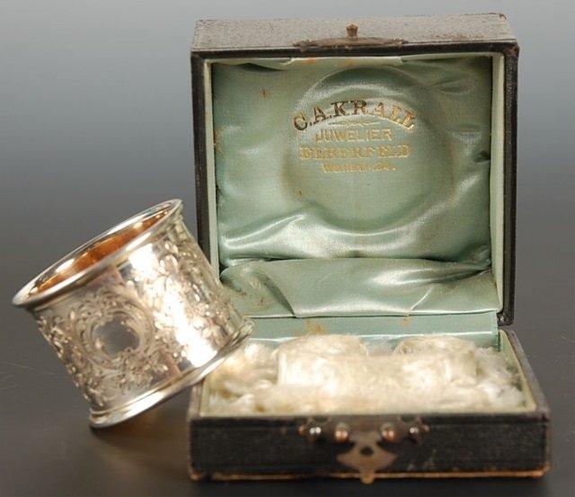 800 SILVER NAPKIN RING IN PRESENTATION BOX CIRCA 1900
