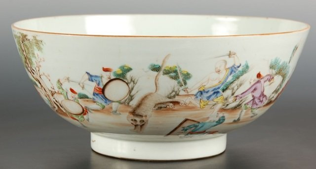 CIRCA 1900(?) CHINESE PORCELAIN BOWL WITH BATTLE SCENE