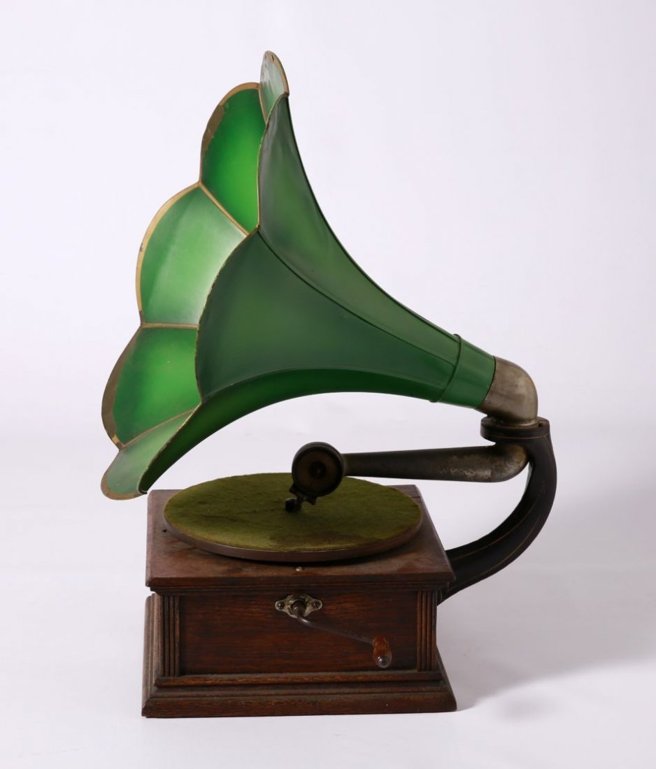 STANDARD MODEL A PHONOGRAPH WITH GREEN MG HORN