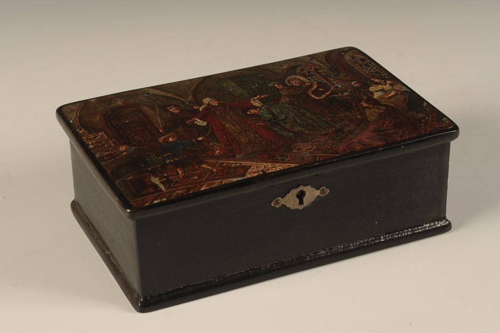 LATE 19TH CENTURY RUSSIAN LACQUER BOX