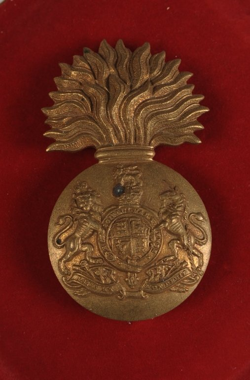 ROYAL SCOTS FUSILIERS GLENGARRY BADGES, QUEEN AND