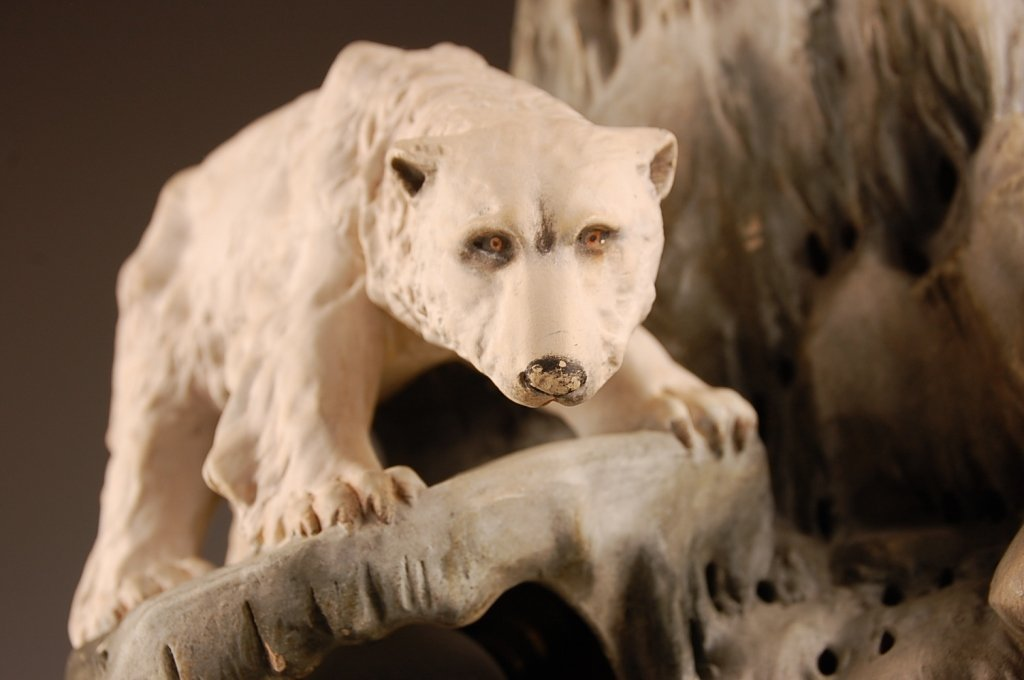 AUGUST OTTO FISH BOWL STAND WITH POLAR BEAR - 7