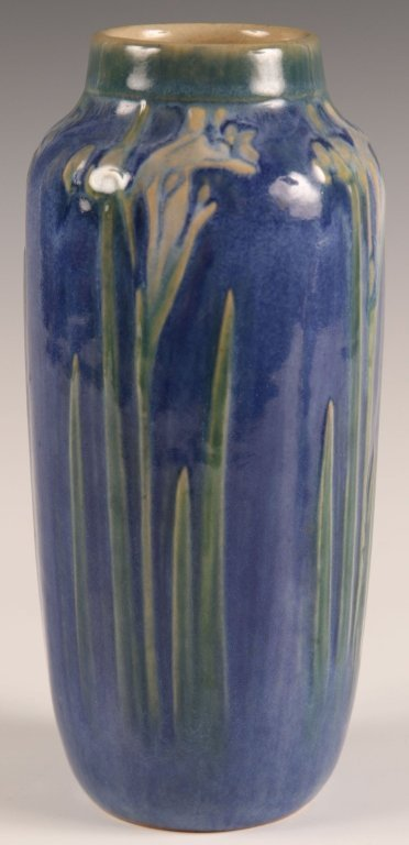 1927 NEWCOMB COLLEGE HIGH GLAZE ART POTTERY VASE