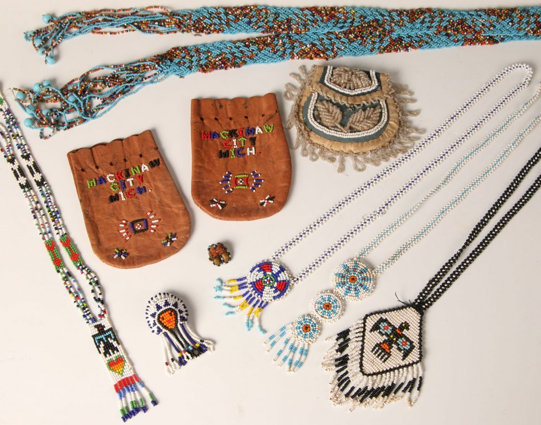 A GROUP OF LOOM BEADED AND OTHER NATIVE AMERICAN ITEMS