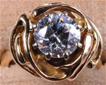AN APPROX 222 CT ESTATE DIAMOND FASHION RING IN 18K
