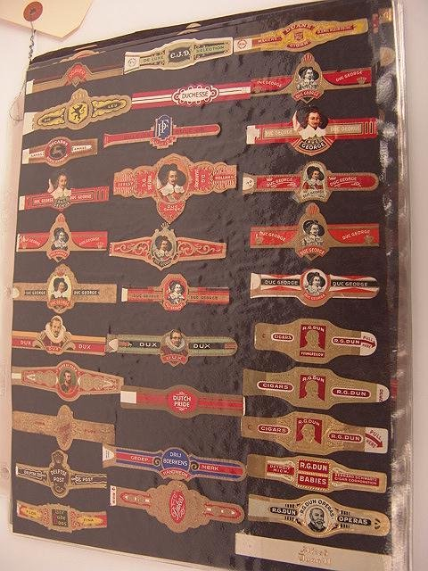 16: COLLECTION OF APPROX. 504 ANTIQUE CIGAR BAND LABELS