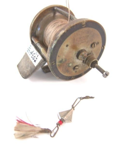 502: WINCHESTER FISHING REEL AND LURE