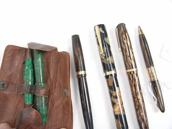 1010: LOT OF VINTAGE FOUNTAIN PENS