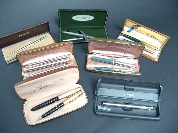 1015: SEVEN BOXED PARKER PENS AND PENCILS