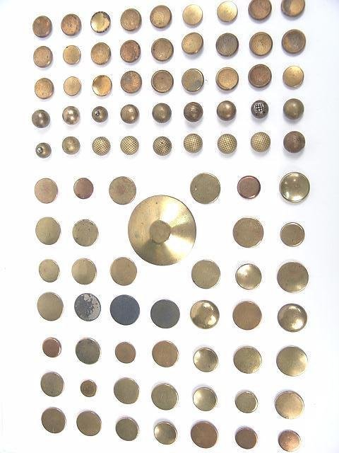 2072: 90 GOLDEN AGE ANTIQUE BUTTONS INCL GILT, DOUBLE G