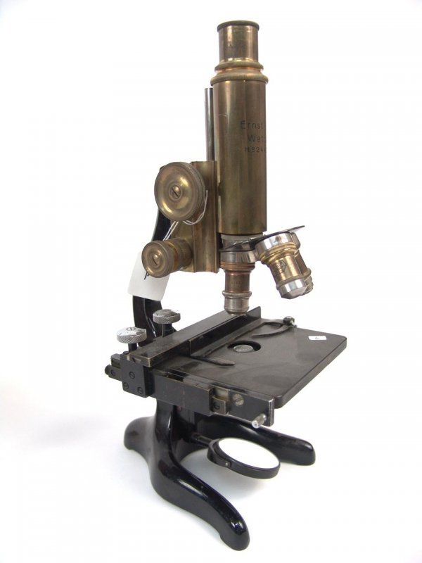 2: LEITZ ANTIQUE MICROSCOPE WITH THREE OBJECTIVES